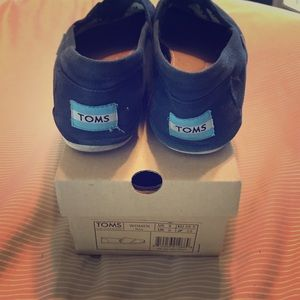 Toms: Originals in Navy